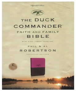 Duck Commander Faith and Family-Pink